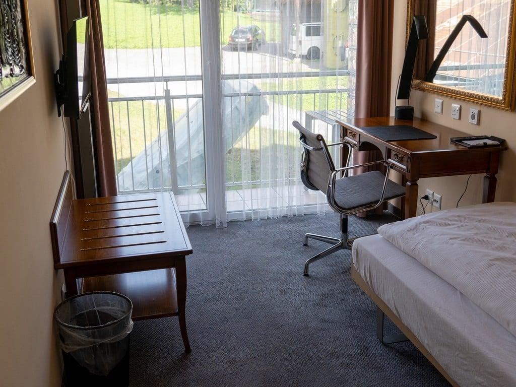 1.Single Room Comfort-6-resized