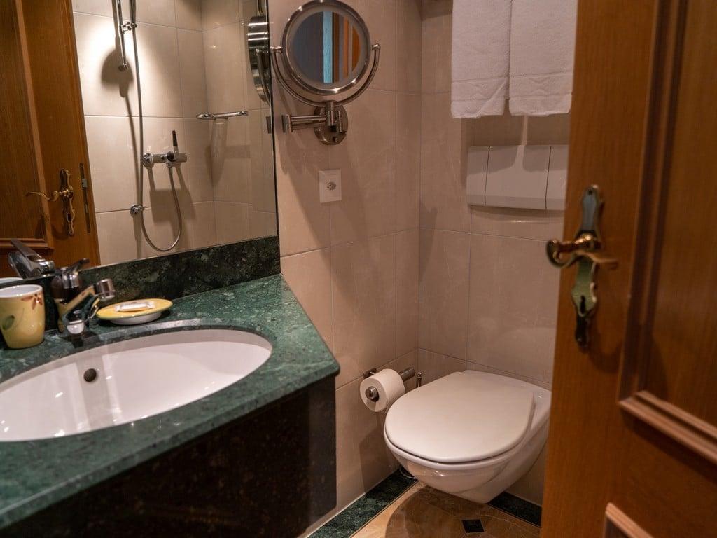 1.Single Room Comfort-8-resized