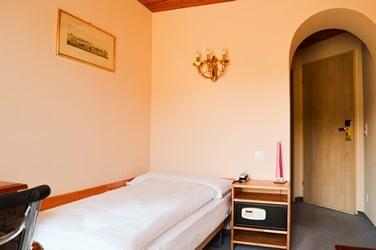 1.Single Room Comfort-2-H250